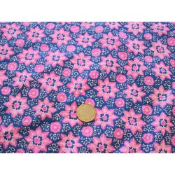 Tissu fleurs fond violet
