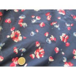tissu marine à fleurs